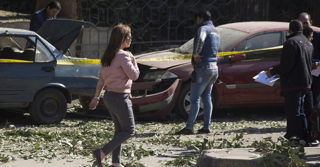 Bombing on Cairo road to pyramids kills 6 Egyptian police